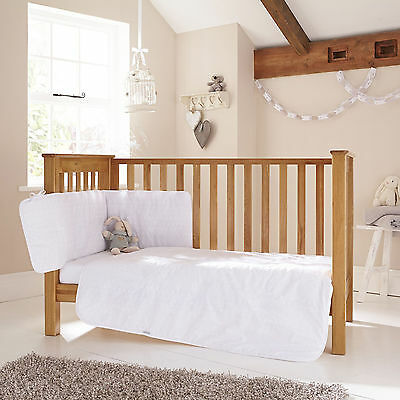 New Clair De Lune White Broderie Anglaise Cot / Cot Bed 3 Piece Bedding Bale Set