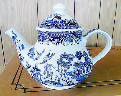 """Churchill Staffordshire China Teapot - Blue Willow Pattern – England - """"As New"""""""