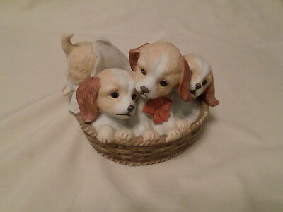 Home Interiors Masterpiece Porcelain Figure Puppies In A Basket 1990