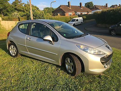 Peugeot 207 1.4  Low mileage ideal first car