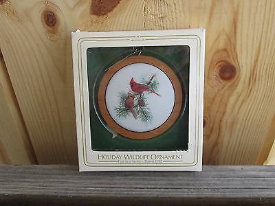 HALLMARK ORNAMENT~1982 1ST. HOLIDAY WILDLIFE CARDINALS New in Package