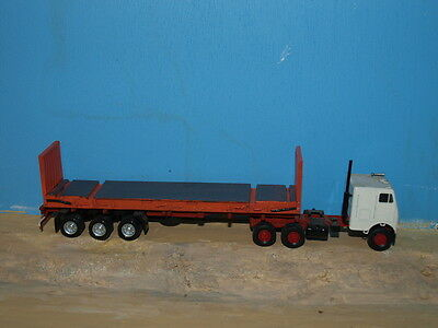 HO scale 40'  Flatrack container kits. Twin pack