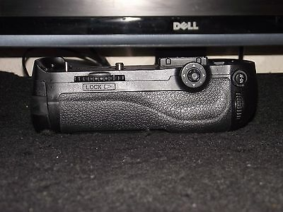 Battery Grip Mb-D12 - For The Nikon D800/d800E/d810/d810E Digital Cameras Only!!