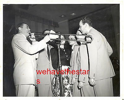 Vintage Frank Sinatra VERY EARLY '40 WITH TOMMY DORSEY BAND Candid Portrait