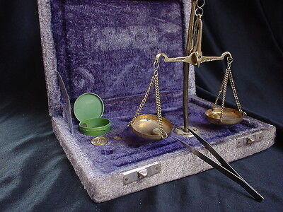 Antique! Scales of Justice portable gold Apothecary scale velvet box w/weights