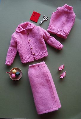 Vintage Barbie REPRO #957 (1964) KNITTING PRETTY Outfit Fashion – MINT COMPLETE