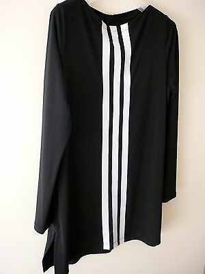 FEATHERS Long Stripe Top. Size M. Slimming Fit. Black & White.
