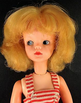 Vintage Sindy doll blond blue side glance eyes painted eyelashes original dress