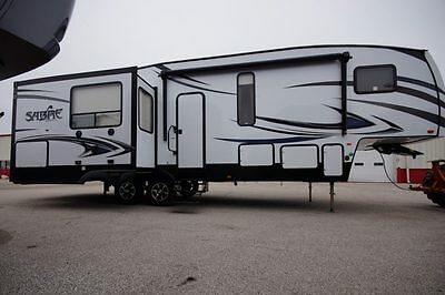 New 2017 Sabre 30Rlt 3 Slide Rear Living Fifth Wheel Must See