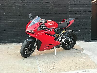 2016 Ducati Superbike  2016 Panigale 959 in excellent condition