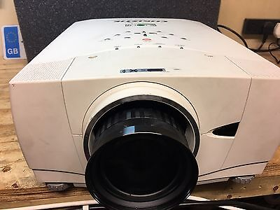 Christie Lx33 LCD Video Projector new Lamp And Short Throw Zoom