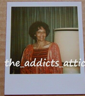 Vtg 70s Polaroid Portrait Photo Of Pretty Middle Aged African American Woman E78