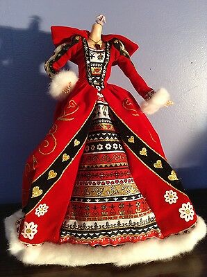 Barbie Alice In Wonderland Queen Of Hearts Dress w/ necklace and flamingo stick