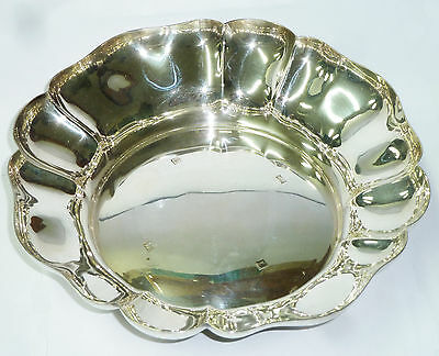 Large Solid Silver Fruit Bowl 473g - Walker & Hall Hallmarked Birmingham 1960
