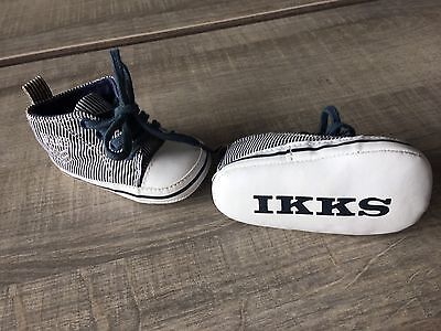 Chaussure Chausson Baskets Bebe Taille 17 18 Ikks Comme Neuf