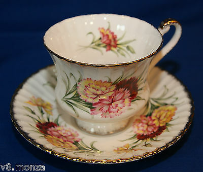 Elegant Paragon English Fine Bone China Teacup & Saucer Duo With CARNATIONS