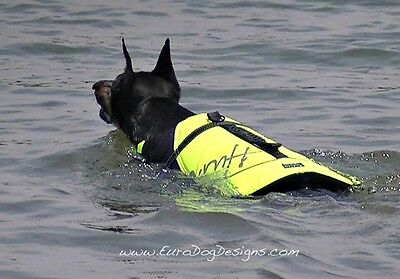 Hurtta Life Jacket for your dog, perfect for swimming, sailing, paddle boarding