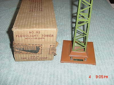 Lionel No 92 Floodlight Tower  With Box  Green and Terracotta