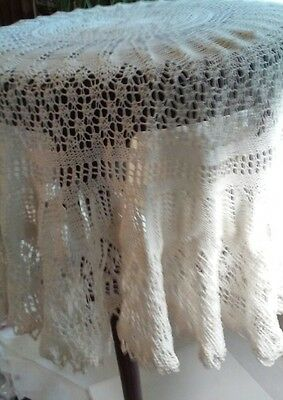 """Antique Round Tablecloth Hand Made Lace 34"""""""