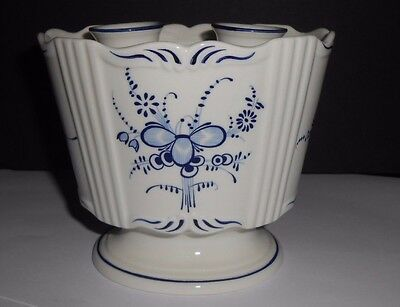 Villeroy & Boch Vieux Septfontaines Flower Vase Frog Oval Luxembourg Blue White