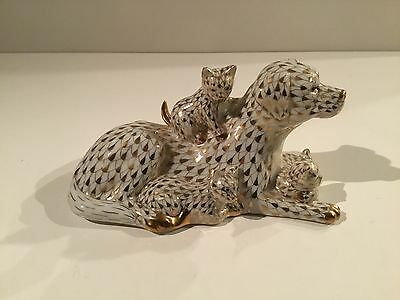 Herend Dog with Cats Kittens Figurine Kingdom Classic 2014 Gold Fishnet 15787