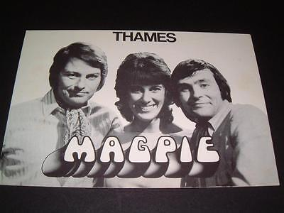 Magpie Tv Show Pete Brady Susan Stranks Tony Bastable Hand Signed Rare Card