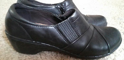Clarks Black Slip On Loafer Womens size 8 From the 15260 Collection