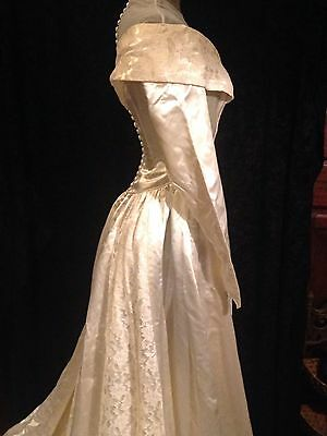 Stunning Vintage 1930's Wedding Gown Ivory Duchess Satin Lace fabric buttons VGC