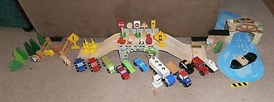**job Lot** Of Brio & Other Brands Wooden Road & Boat Set.