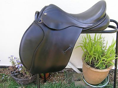 "17"" Barnsby Gp Saddle In Black, Medium Fit, Good Condition"