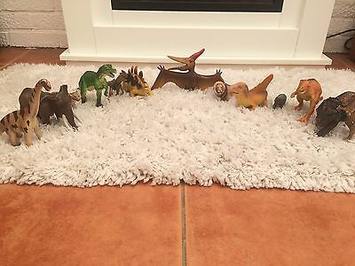 EXCELLENT CONDITION- BUNDLE OF 13 Toy Dinosaurs