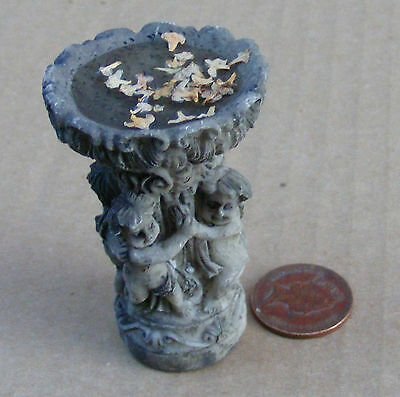 1:12 Scale Dolls House Miniature Garden Accessory Bird Bath With Water 684