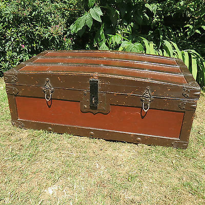 Very Nice Old Antique / Vintage Steamer Trunk / Chest - Storage / Toy Box