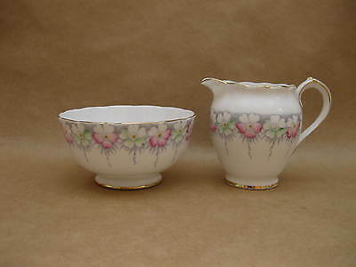 "Pretty Vintage English Fine China Sugar Bowl & Milk Jug~ ""Sydney"" ~Roslyn China"