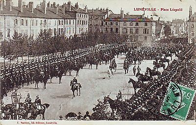54 -- Luneville  - Place Leopold Tres Animee   1910