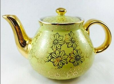 Beautiful Vintage Teapot Hall Canary Yellow with Gold Daisy Floral 039GL