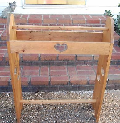 1980's Wood Quilt Blanket Bedspread Towel Rack Stand Free Standing Heart Cutout