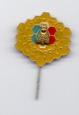 Pin - Bee Bees  - Medoprodukt Union Of Honey Producers Subotica Yugoslavia Rare