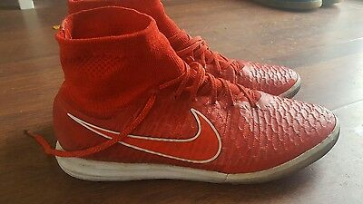 Nike Magistax Proximo Red/white football boots size 10