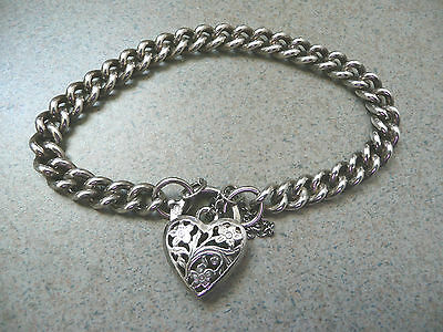 Beauiful Sterling Silver Silver .925 Bracelet with engraved heart charm - 21 gm