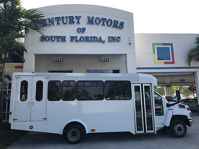 2008 Chevrolet Other  20 Passenger Handicap Lift Bus