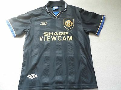 Signed Manchester United Away shirt 1995 Mark Hughes