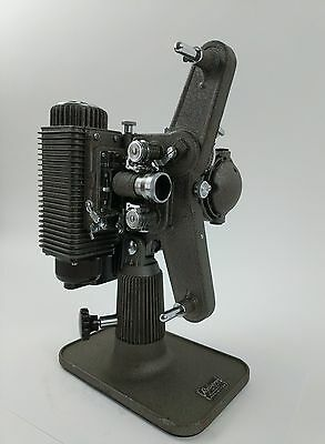 Vintage Eight 8 MM Film Projector REVERE, model 85. Includes Hard Case & Manual