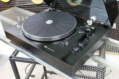 ADC 3001 direct drive TURNTABLE with Low Mass AT1 tonearm & A&R P77 Cart