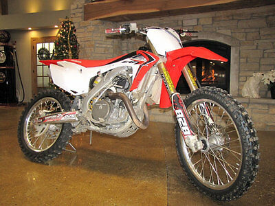 Honda CRF450R CRF450R 2014 HONDA CRF450R RED AND WHITE GREAT CONDITION BUY IT NOW $4,590.00