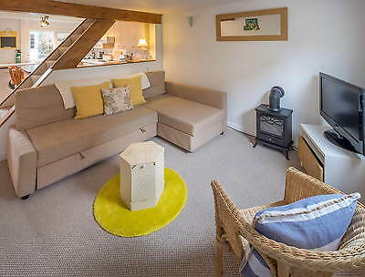 Holiday Cottage, West Cowes, Isle Of Wight Sleeps 4 From £80 Per Night
