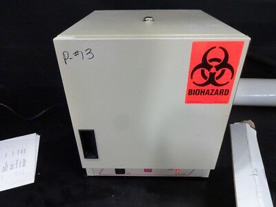 Lab Line 120 Low Temp Incubator - Powers on, MIGHT have power switch issues!