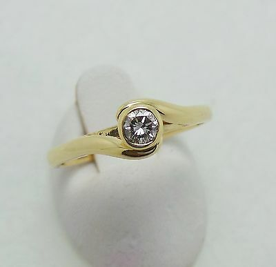 18Ct Yellow Gold Diamond Solitaire Ring - Ring Size P