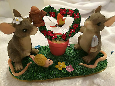"""Charming Tails """"KEEPING OUR LOVE ALIVE""""  DEAN GRIFF FLOWERS MICE"""