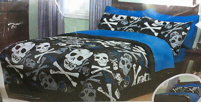 NEW Your Zone 8pcs Bed In A Bag Reversible Comforter Set Sz Double Graphic Skull
